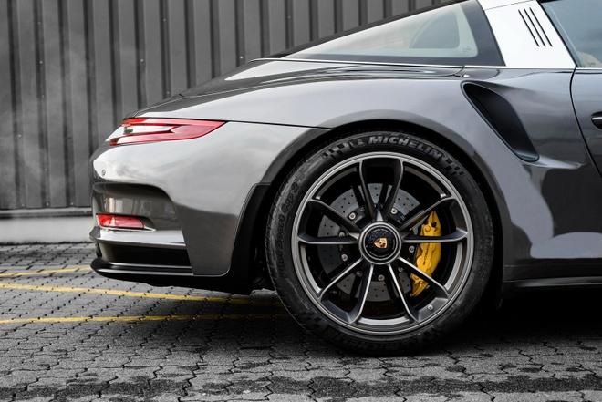 sieu xe Porsche 911 Targa 4 anh 4