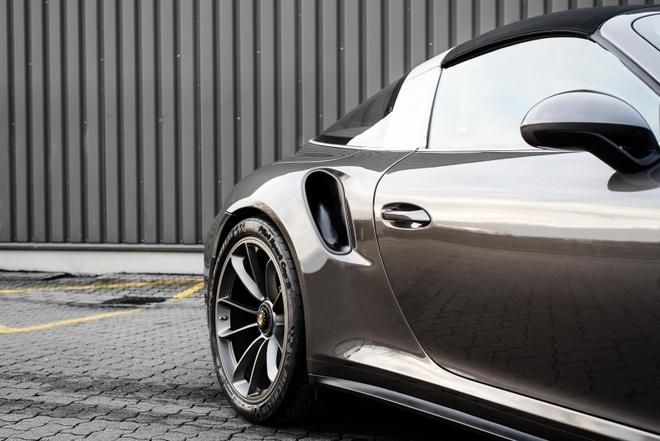 sieu xe Porsche 911 Targa 4 anh 10