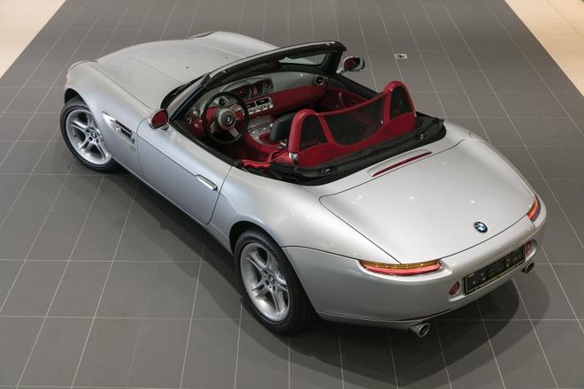 Xe cu BMW Z8 gia ngang sieu xe Lamborghini Aventador hinh anh 6