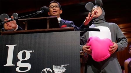 Ig Nobel 2013 vinh danh nghien cuu phuc hoi 'cau nho' hinh anh