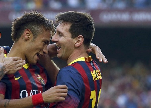 Ngay Ronaldo van la 'ong Hoang', Messi da chiu la thu dan hinh anh
