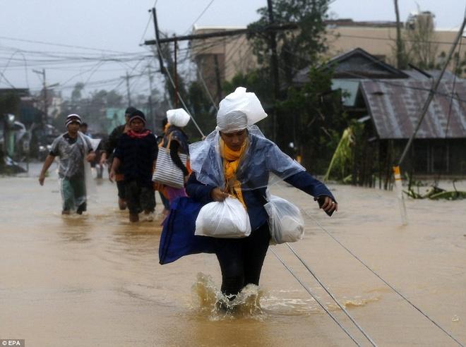 Philippines oan minh chong choi sieu bao Hagupit hinh anh