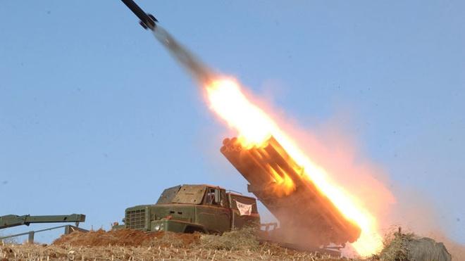 Trieu Tien ban thu 4 ten lua tam ngan hinh anh 1 Triều Tiên bắn thử tên lửa hồi tháng 3/2013. Ảnh: Reuters
