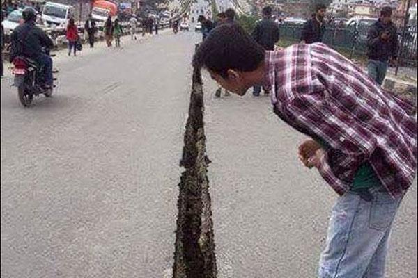 Thu do Nepal truoc va sau tran dong dat kinh hoang hinh anh 8