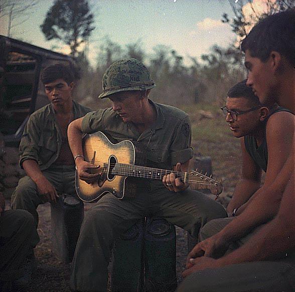 Nhung hinh anh hiem ve linh My trong Chien tranh Viet Nam hinh anh 2 a