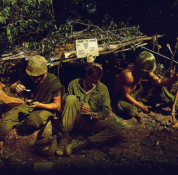 Nhung hinh anh hiem ve linh My trong Chien tranh Viet Nam hinh anh 8 a