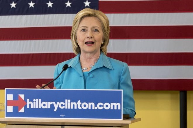 Ba Clinton tuyen bo tro thanh tong thong nang luong sach hinh anh 1