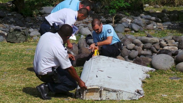 Chuyen gia den Phap phan tich manh vo nghi cua MH370 hinh anh