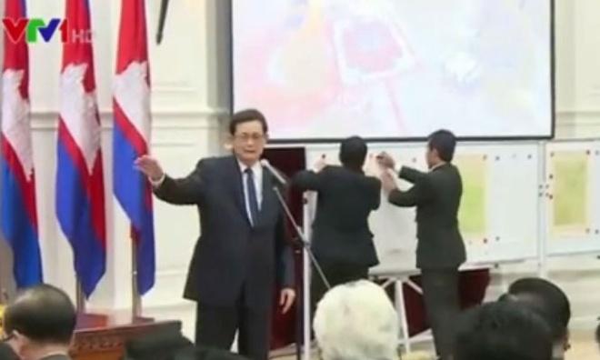 LHQ ban giao cho Campuchia ban do bien gioi voi Viet Nam hinh anh