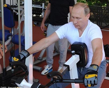 Putin, Medvedev tap luyen trong phong gym hinh anh