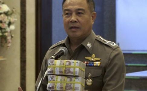 Canh sat Thai tu thuong 84.000 USD vi bat nghi can danh bom hinh anh