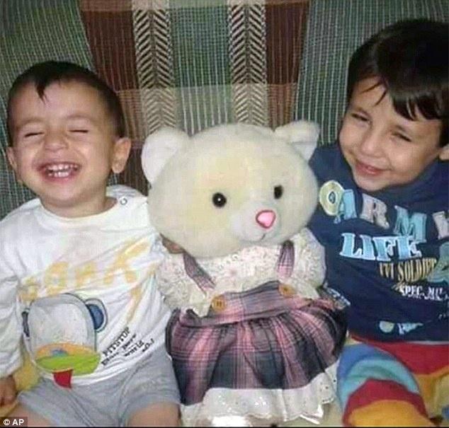 Loi cuoi cua be trai Syria: 'Bo oi, xin dung chet!' hinh anh 2