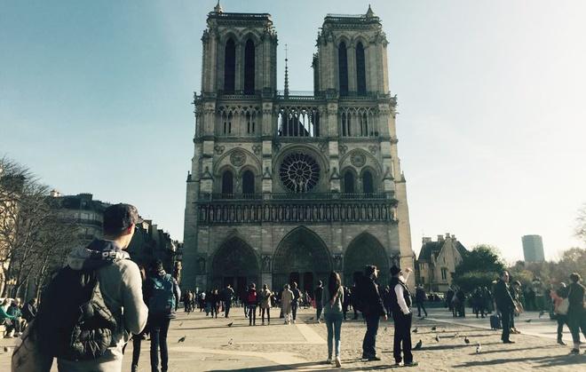 Khong co du hoc sinh Viet Nam bi thuong vi khung bo o Paris hinh anh