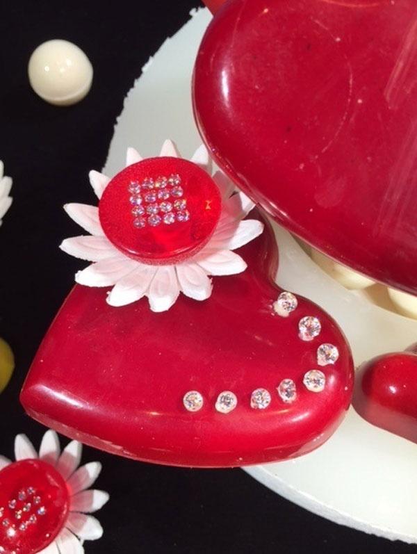 Chocolate dinh kim cuong dip Valentine gia hon 14 trieu yen hinh anh 3