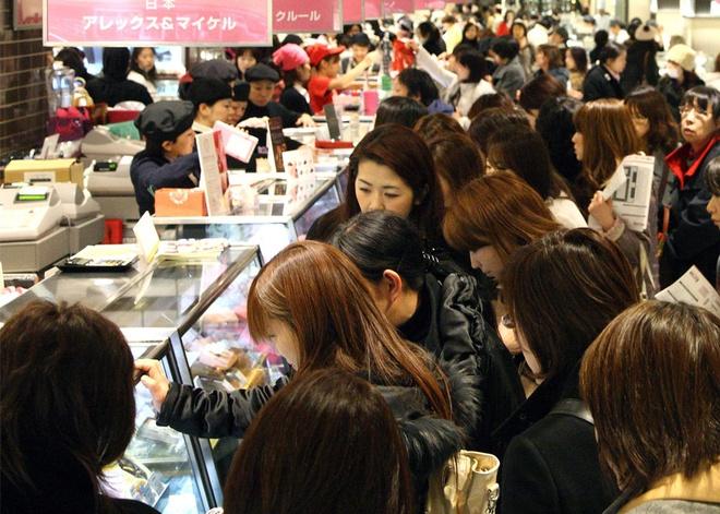 Chocolate dinh kim cuong dip Valentine gia hon 14 trieu yen hinh anh 4