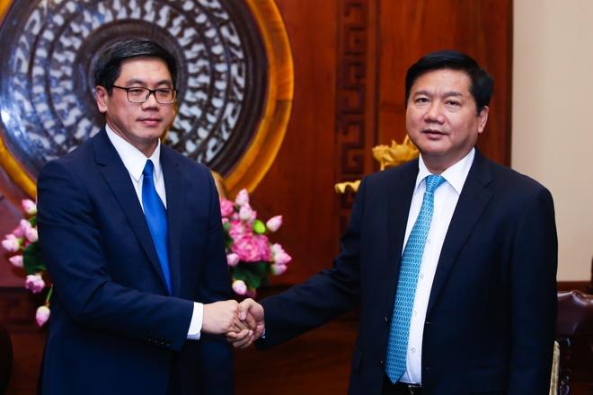 Dai su Singapore tai VN: 'Ong Thang la nguoi thuc thoi' hinh anh