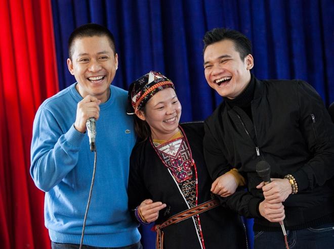 Tuan Hung trao qua Tet cho ba con vung cao hinh anh 8