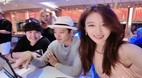 Lee Dong Gun va Jiyeon (T-ara) chia tay sau 2 nam hen ho hinh anh