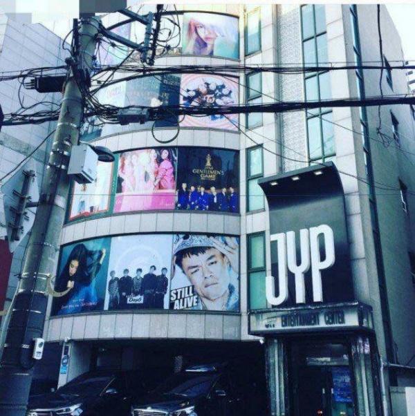 JYP go bo poster cua miss A, bao hieu kha nang tan ra hinh anh 1