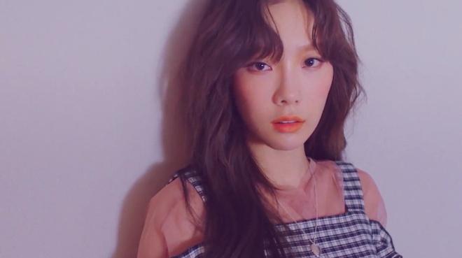 Taeyeon, Suzy cung ra mat san pham moi hinh anh 1