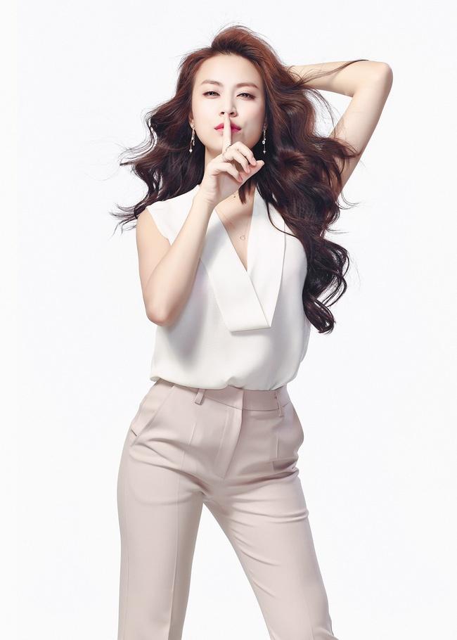 Hoang Thuy Linh tham gia dem nhac co SNSD, NCT 127 hinh anh 1