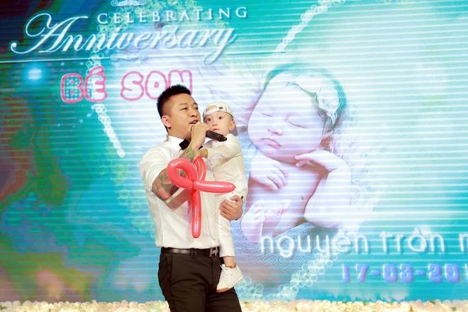 Tuan Hung to chuc tiec day thang cho con gai hinh anh 1