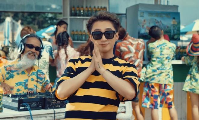MV moi dat 5,6 trieu luot xem sau 4 ngay: Son Tung giam phong do? hinh anh 1