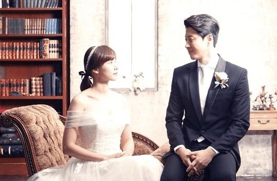 Lee Dong Gun co con voi ban gai moi sau 3 thang chia tay Jiyeon hinh anh