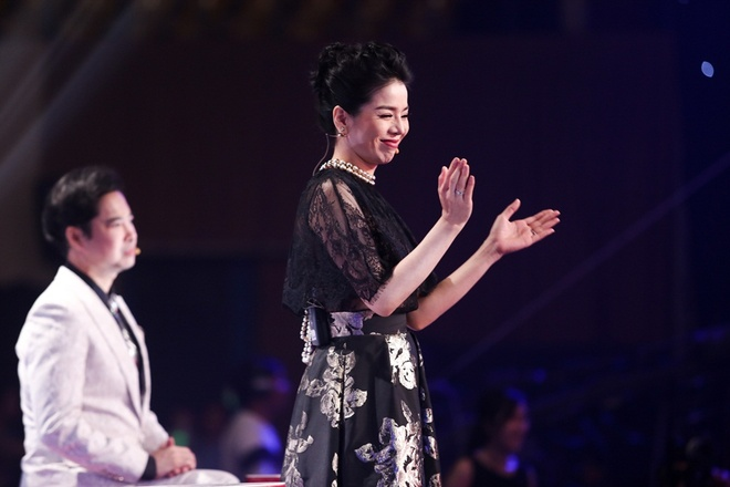 Quang Le buc boi khi thay Ngoc Son 'ep' thi sinh anh 1