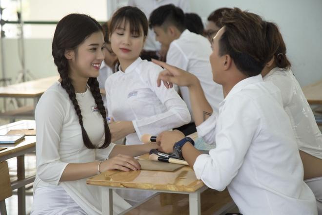 Hoang Yen Chibi yeu tham hot boy trong MV ve tuoi hoc tro hinh anh 4