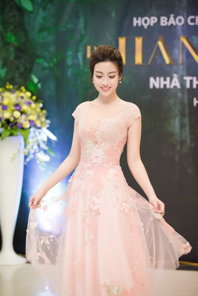 Do My Linh cung Hoa hau Phap lam vedette trong show Hoang Hai hinh anh 7