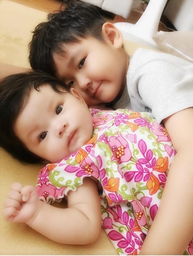 Hai Bang khoe anh con trai rieng cua Thanh Dat cham em gai hinh anh 1
