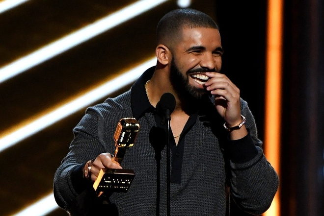Drake thang lon voi 13 giai tai Billboard Music Awards 2017 hinh anh