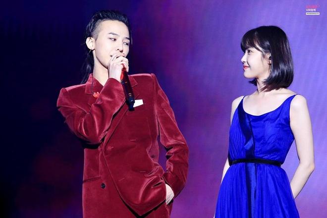 IU, Sulli cung dan sao tham gia dem nhac cua G-Dragon hinh anh
