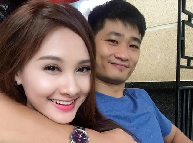 Bao Thanh khoe anh nam tay chong giua scandal nhan tin cho Viet Anh hinh anh
