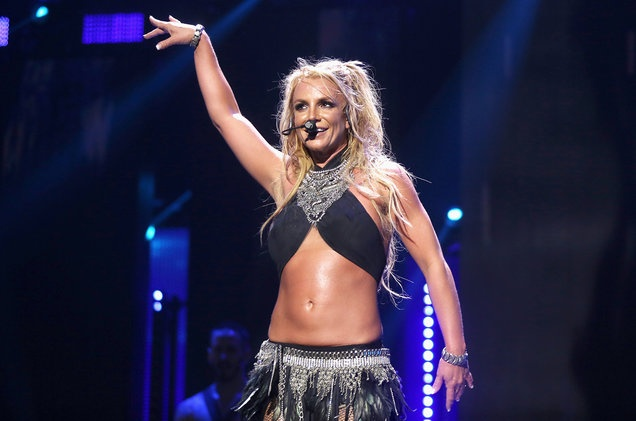 Britney Spears tuc gian khi bi to hat nhep hinh anh 1