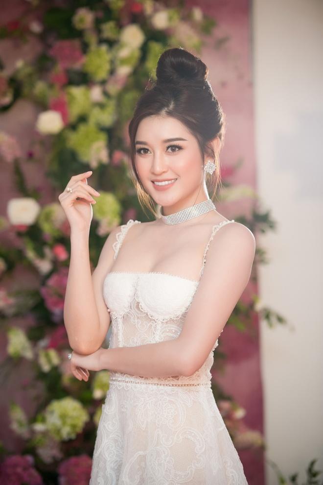 Huyen My: 'Toi hy vong lot top 3 Hoa hau Hoa binh The gioi 2017' hinh anh 1