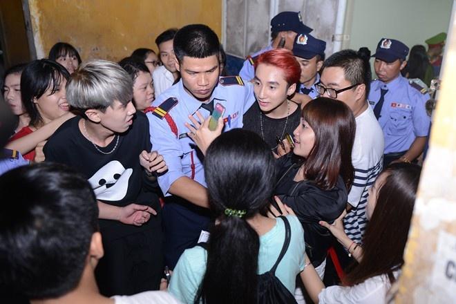 Fan cuong: Noi khiep so cua ca si Viet hinh anh
