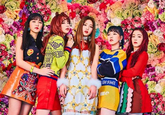 Kpop dau nam 2017: Than tuong nam 'lep ve' dong nghiep nu hinh anh 1