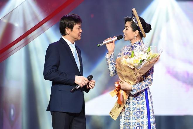 Le Quyen tinh tu voi Quang Dung truoc mat ong xa hinh anh 7