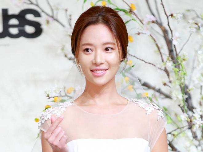 Sao nu 'She Was Pretty' Hwang Jung Eum sinh con dau long hinh anh
