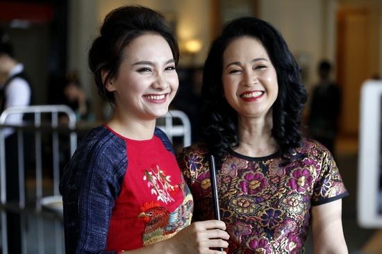 NSND Lan Huong: 'Toi khong duoc moi du VTV Awards' hinh anh
