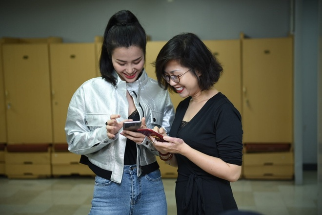 Bi benh, Dong Nhi van tich cuc tap luyen cho Asia Song Festival 2017 hinh anh 4