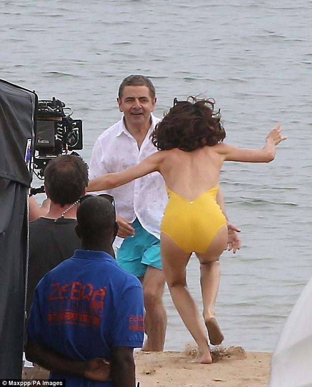 Mr Bean va nguoi dep Diep vien 007 anh 2