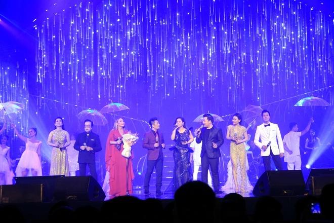 Nguyen Cao Ky Duyen tang tho cho Quang Dung de to long ai mo hinh anh 1