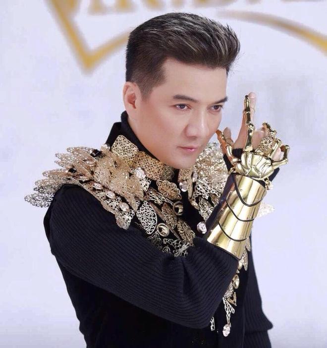 Nhung doi thu 'nang ky' cua Dam Vinh Hung tai MTV EMA 2017 hinh anh 1