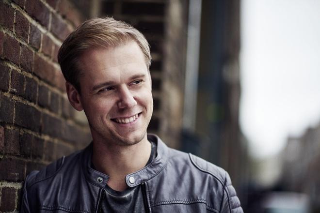 DJ noi tieng the gioi Armin Van Buuren tro lai Viet Nam hinh anh