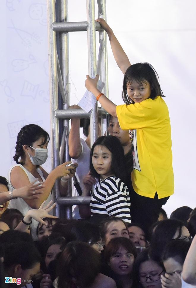 Nhieu fan Viet ngat xiu trong su kien co sao Han Quoc hinh anh 3