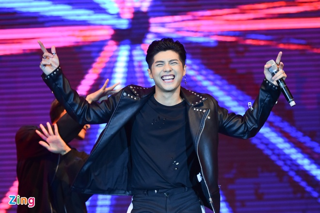 Lee Kwang Soo bieu dien tai Viet Nam truoc ngay cuoi Song Joong Ki hinh anh 8