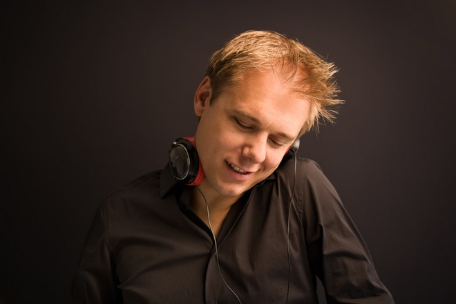 Armin van Buuren xac nhan buoi dien tai Viet Nam vao thang 12 hinh anh